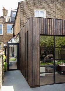 Trellik Design Studio réalise à Londres la Charred Garden House