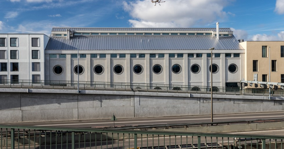 Harry Gugger reconvertit à Bâle un silo d'époque, le Silo Erlenmatt.