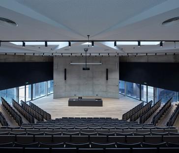Qarta architektura signe l'auditorium de l'école polytechnique de Jihlava