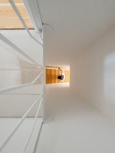 Aurora Arquitectos signe la maison de Rua Bartolomeu Dias à Lisbonne