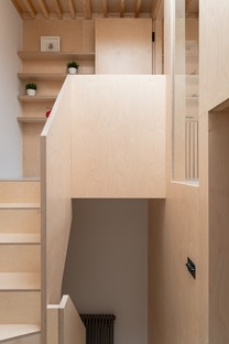 Le cabinet Bradley Van Der Straeten Architects signe la Two and a Half Storey House