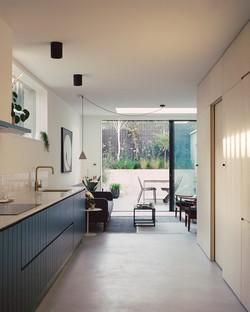 Le cabinet 31/44 Architects réalise une maison d'angle à Peckham (Londres)