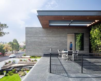 La Cantilever House de Zero Energy Design Lab