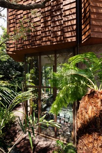L'Atelier Tsuyoshi Tane signe une maison dans la vallée Todoroki à Tokyo
