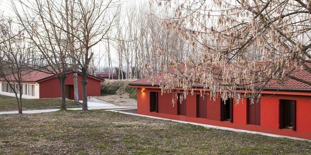 Le cabinet Arbau signe la restructuration du centre Soranzo dans le Forte Rossarol à Venise.