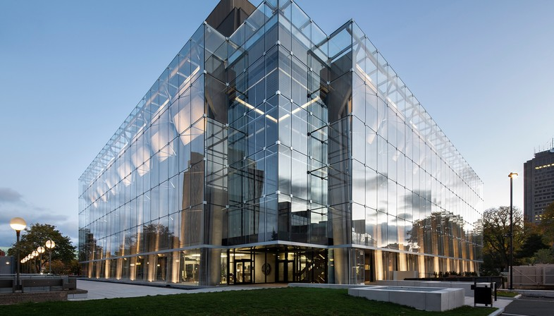 Lemay et Atelier 21 signent la nouvelle façade du Grand Théâtre de Québec.