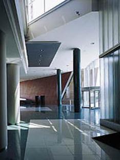 Hans Hollein: Interbank Headquarters de Lima et tour des Générales de Vienne, 2001