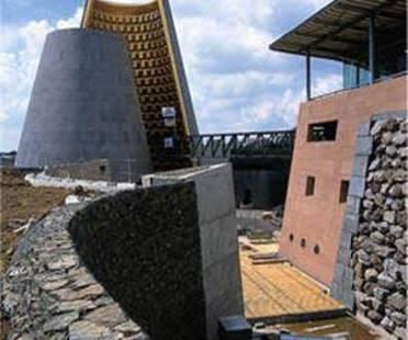 Hans Hollein: centre de Volcanologie à Clermont-Ferrand, France