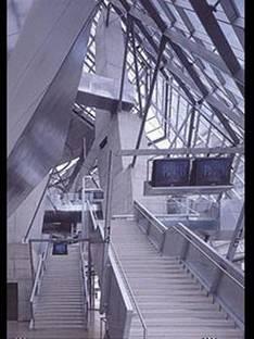 Coop Himmelb(l)aw <br> Centre cinématographique UFA, Dresdes, Allemagne