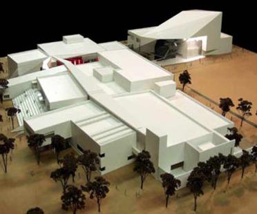 Antoine Predock: Doudna Fine Arts Center, Illinois University, en construction
