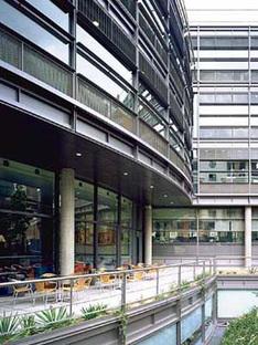 Richard Rogers: siège de la chaîne de télévision Channel 4 à Londres, 1991-1994