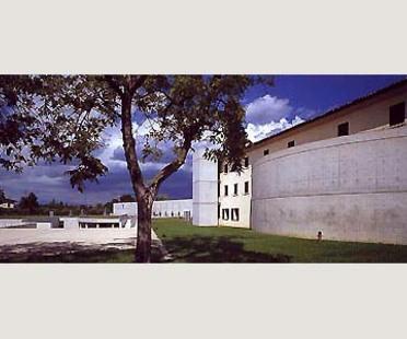 Fabrica pour Benetton à Trévise. Tadao Ando