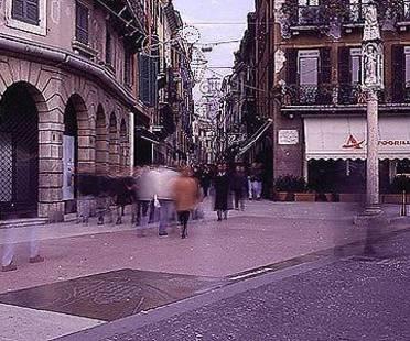 Une route empierrée, Vérone, Italie. Boris Podrecca