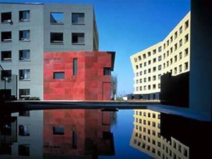 Complexe résidentiel à Makuhari, Japon. Steven Holl
