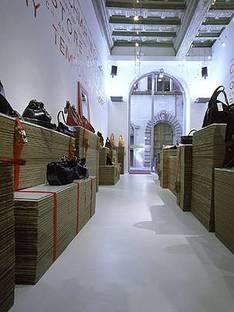 Antonio Barbieri<br> Chiarini, Le magasin temporaire