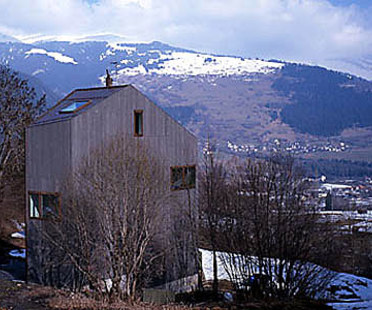Valentin Bearth, Andrea Deplazes<br> Maison individuelle Willimann à Sevgein, Suisse, 1997-98