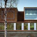 Grafton Architects<br> Des bureaux et des magasins pour la Cité universitaire de Dublin, 2003