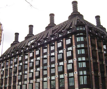 Portcullis House, Hopkins Architects. Londres. 2000