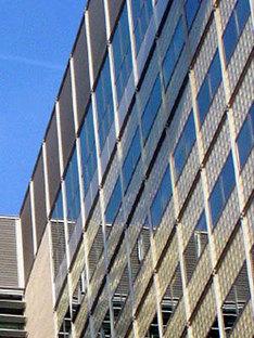 Gregotti Associati. Centre administratif Banca Lombarda. <br />Brescia, Italie. 2004