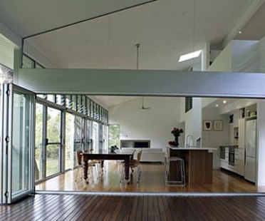 Gully House. Yeronga (Australia). Bligh Voller Nield. 2005
