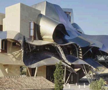 Frank. O. Gehry. Hôtel Marques de Riscal. Elciego (Espagne). 2006