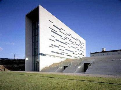 Rectorat de la nouvelle Université di Lisbonne - Manuel et Francisco Aieres Mateus. Lisbonne, 1998