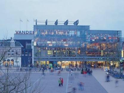 Agrandissement du centre commercial d'Assen, Pays-Bas. Herman Hertzberger