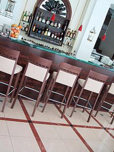 Arches Wine Bar