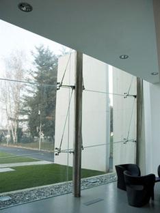 Studio UAU. Centre administratif Hitech Systems. Leinì, Turin, 2006