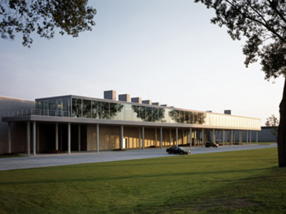 Bureaux Renson. Waregem (Belgique). Jo Crepain. 2002