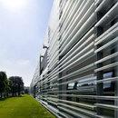 Nouveau siège de Living Divani à Anzano del Parco, un projet de Piero Lissoni, 2008