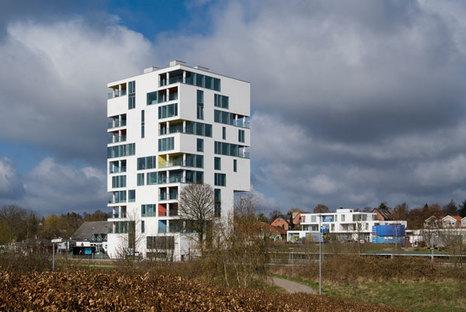 Scorcio da Est: il complesso residenziale e quello dei servizi