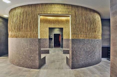 Mosaïque et revêtement de sol en Pietra di Merano structurée