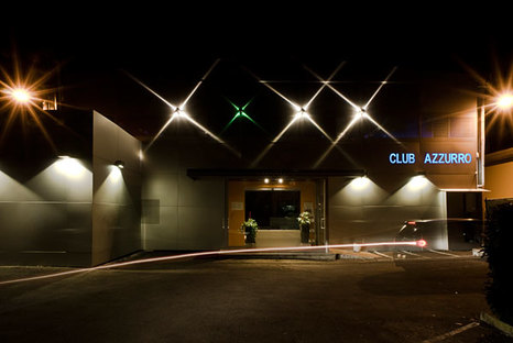 Club Azzurro : caverne de pierre pour le bien-être