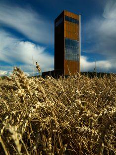 La tour de Todd Saunders entre la Norvège et la Suède