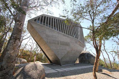 BNKR : Sunset chapel à Acapulco