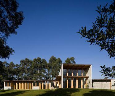 Castanheira : une maison en béton et en bois