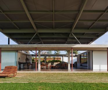 Andrade Morettin: casa lunga a San Paolo