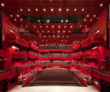 Larsen e Eliasson: auditorium a Reykjavik