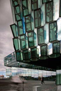 Larsen et Eliasson : auditorium à Reykjavik