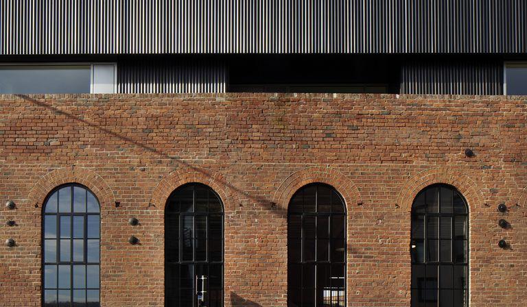 Agrandissement d'une ancienne usine à Sheffield