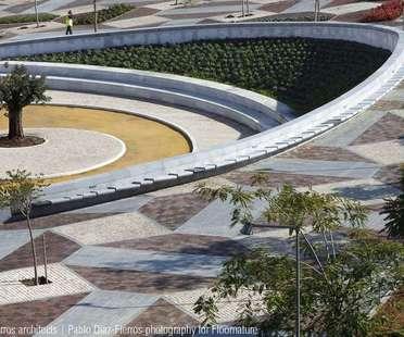 Costa-Fierros: Parco della musica a Siviglia