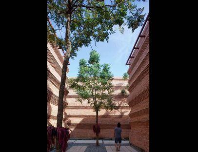 Boonserm Premthada: Kantana école du cinéma