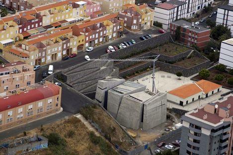 Menis: église du Rédempteur à Tenerife