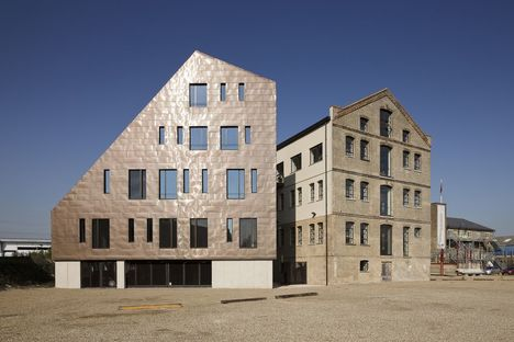PTE architects: requalification du Granary