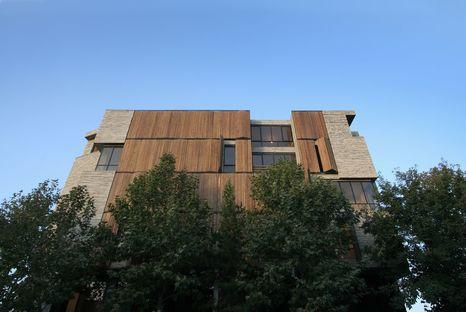 Mehdizadeh : édifice avec revêtement recyclé à Mahallat