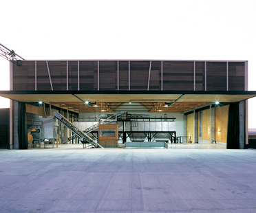 GH + A (Guillermo Hevia Architects) : huilerie au Chili