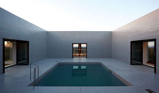 Pezo von Ellrichshausen: Solo house à Cretas, Espagne
