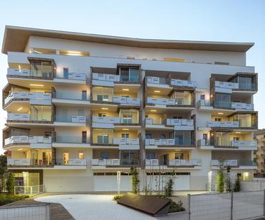 Case di Luce, complesso residenziale bioclimatico di studio Pedone