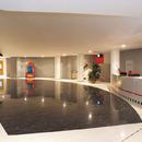 Beauté et fonctionnalité des surfaces dans les espaces de loisirs